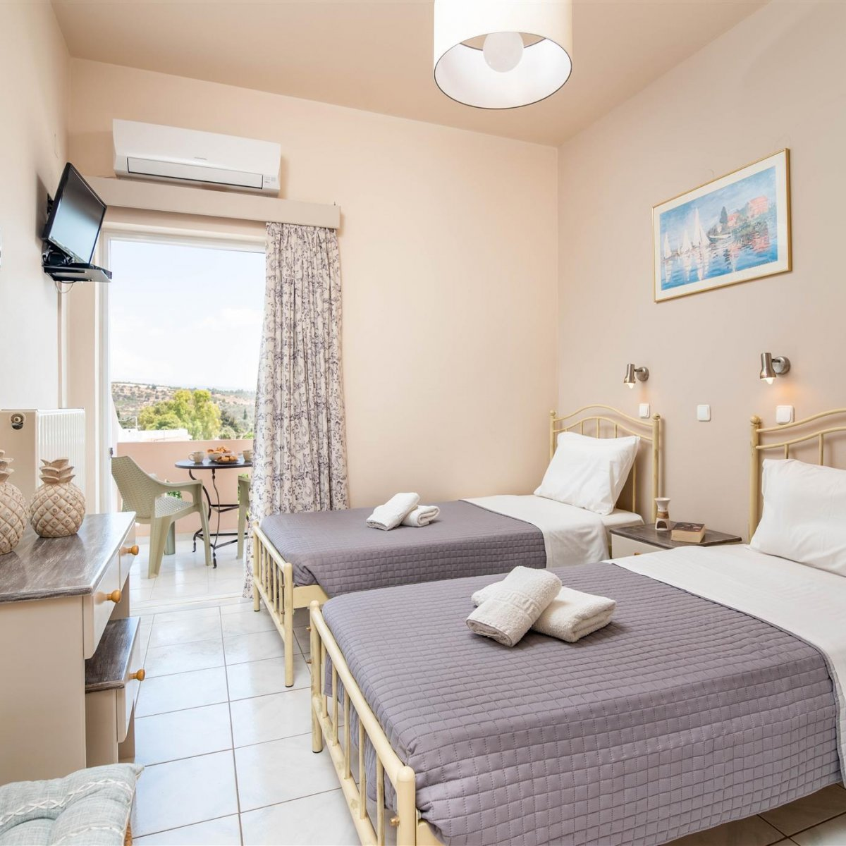 Filia Holidays - Standard double rooms with Kitchen in Pitsidia